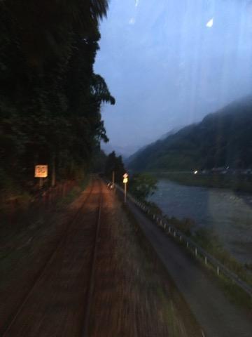 江の川沿い.jpg